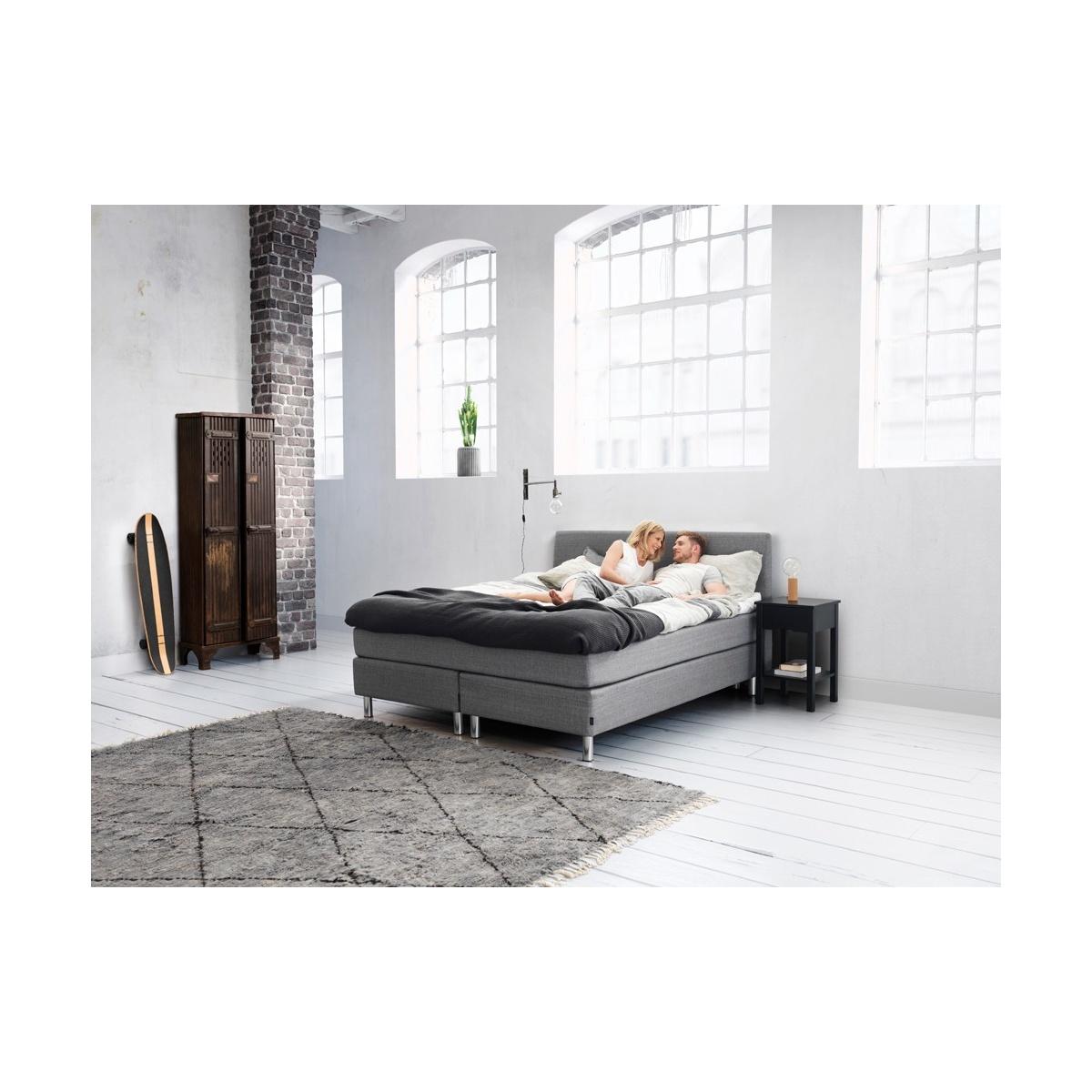 ko kontynentalne first continental jensen. Black Bedroom Furniture Sets. Home Design Ideas
