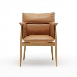 Krzesło Embrace E005 Carl Hansen & Søn