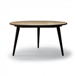 Stolik kawowy CH008 na czarnych nóżkach - Carl Hansen & Søn