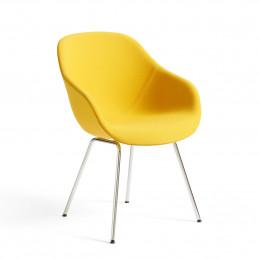 Żółte krzesło AAC 127 HAY
