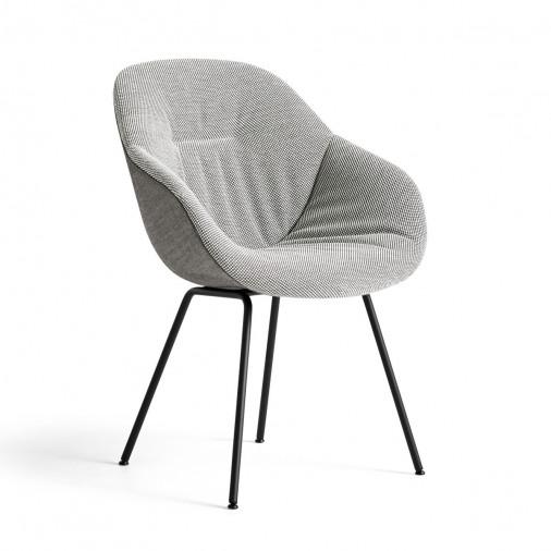 Tapicerowane tkaniną krzesło AAC 127 Soft Duo HAY