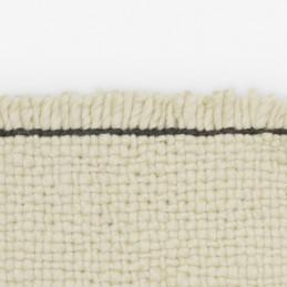 Ręcznie tkany dywan Bold Block marki Kvadrat