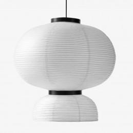 Ręcznie wykonana z papieru i drewna lampa wisząca Formakami JH5 &Tradition