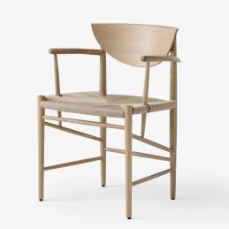 Dębowe krzesło Drawn HM4 &Tradition