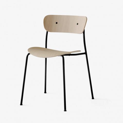 Dębowe krzesło Pavilion AV1 &Tradition