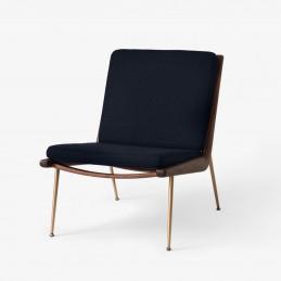 Minimalistyczny fotel Boomerang HM1 &Tradition