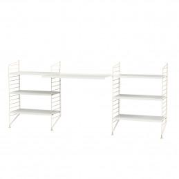 Białe biurko z dwoma regałami String