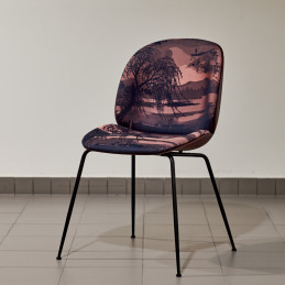 Krzesło tapicerowane Gubi Beetle Shell