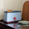 Niebieski toster z czerwonym pokrętłem Sowden HAY