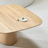 Drewniany stół P.O.V. 462 TON z zaokrąglonym blatem