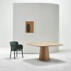 aranżacja drewnianego stołu P.O.V. 462 TON 150x150