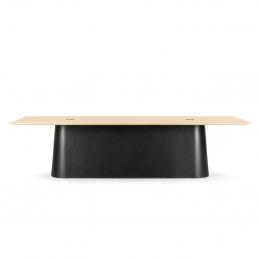 Drewniany stół P.O.V. 467 TON z czarną podstawą
