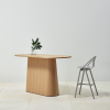 Wysoki, drewniany stół P.O.V. 468 z krzesłem barowym