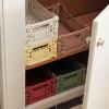 Kolorowe skrzynki z plastiku Crate od Hay
