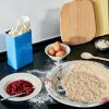 Zastosowanie niebieskiego pojemnika Tin by Sowden w kuchni