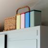 Pojemniki z pokrywkami Tin by Sowden w różnych kolorach