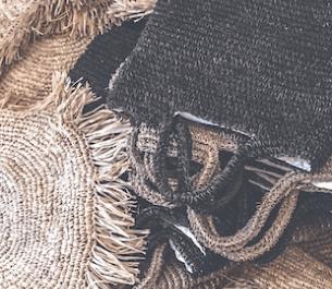 Balijski rzemieślnik i rodzima roślinność | Bazar Bizar